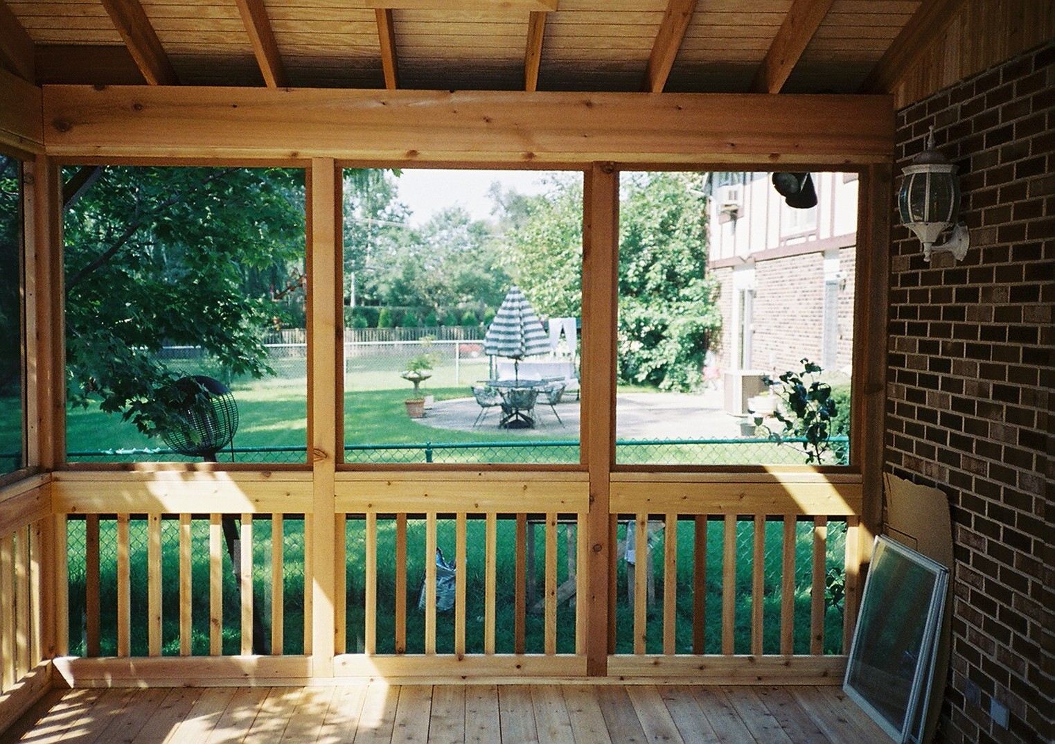 Screen Room Installation In Chicagoland Rustic Woodmen