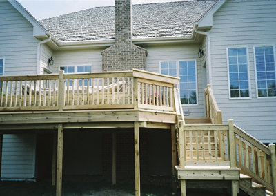 Rustic Woodmen Cedar Decks - Barrington