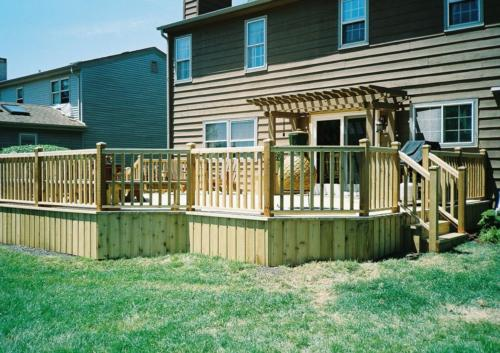 Custom Cedar Deck Contractors in Northwest Chicago