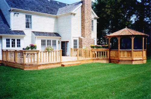 Custom Cedar Wood Deck in Chicago