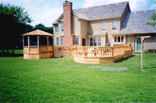 Morton Grove Cedar Wood Deck